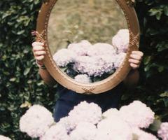 Etre miroir du monde